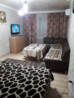 Продаю 1 комнатную квартиру Бишкек качественный ремонт, в самом центре, 2 этаж