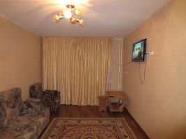 Продаю 2-комнатную квартиру с ремонтом, 104 серии, район парк Ата-Тюр