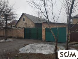 Продаю дом 4 комнат, участок 5 соток, р-н Пишпек, б/п