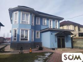 Продаю 3х уровневый красивый дом в Киргизии 1, ж/м Ынтымак