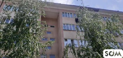 Очень срочно продаю 3х комнатную квартиру в микро районе Анар д 15 Б