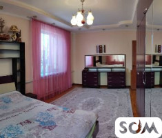 продается 5 комнатный,2х этажный дом